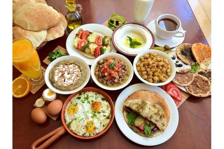 تأخر وجبة الإفطار تناولها مبكرا تتجنب عشرات الأمراض هذه أخطرها